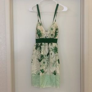 Tracy Reese New York. Size 8 100% Silk green dress